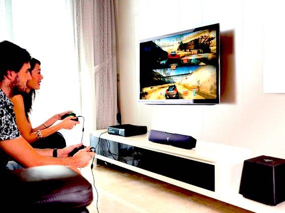 Какой игровой телевизор выбрать? На что обращать внимание при покупке